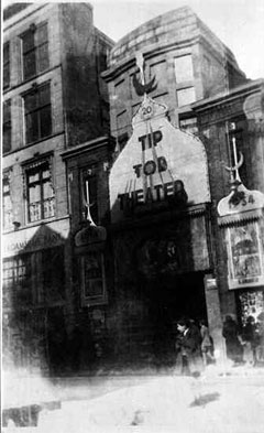 The Tip Top cinema in Jodenbreestraat, ca. 1935